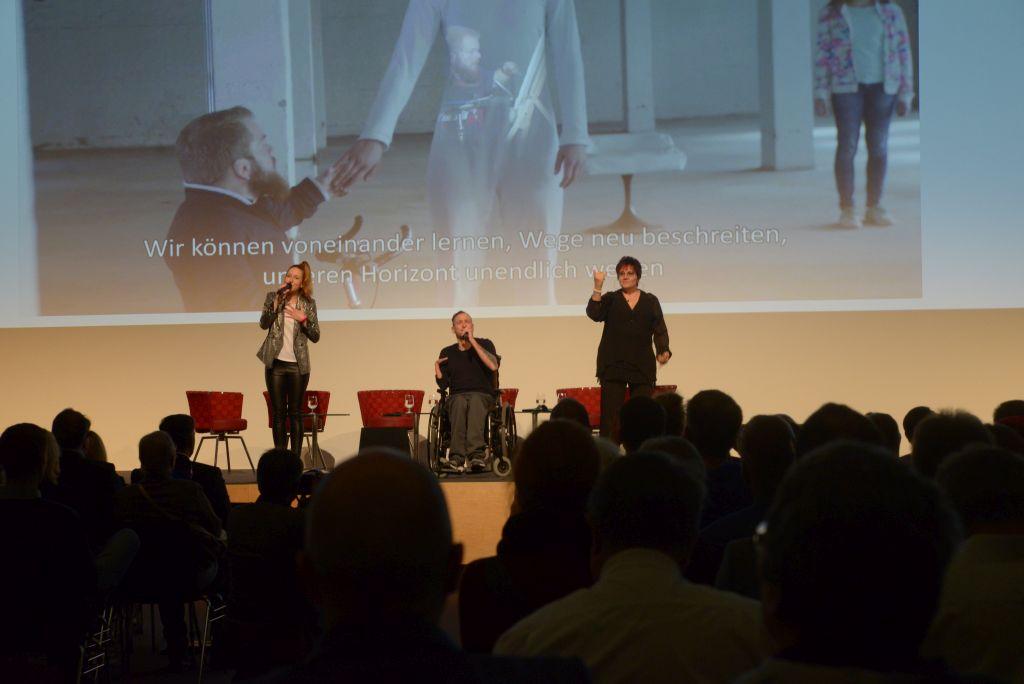 Kat Wulff und Graf Fidi eröffneten die ConSozial musikalisch